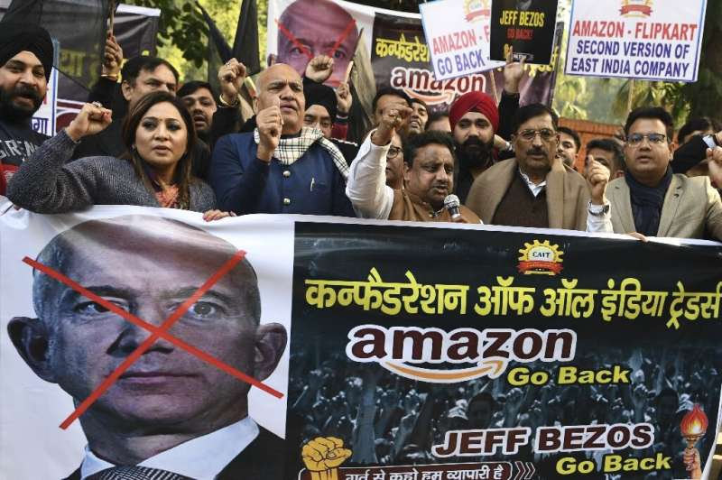 Indian traders protested in Delhi against e-commerce giant Amazon