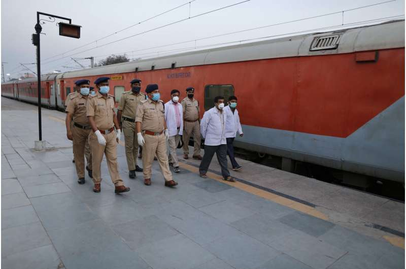 India's prime minister decrees 21-day lockdown to curb virus