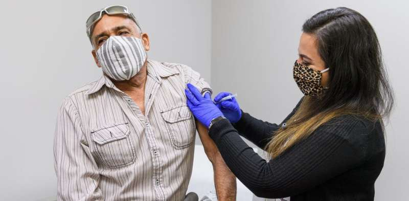 Latinos are especially reluctant to get flu shots – how a small clinic in Indiana found ways to overcome that