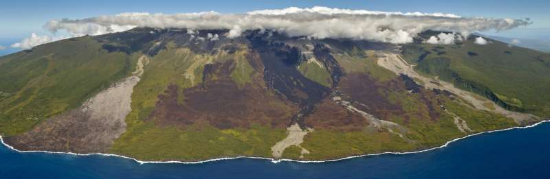 Lava flows tell 600-year story of biodiversity loss on tropical island