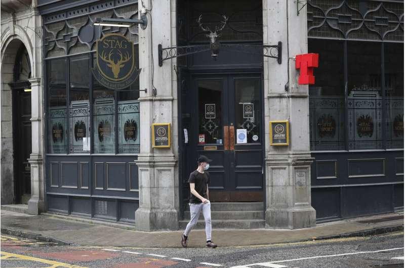 Lockdown reimposed in Scottish city over virus 'cluster'