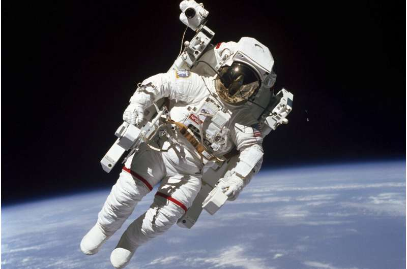 NASA call for astronauts draws 12,000 spaceflight hopefuls