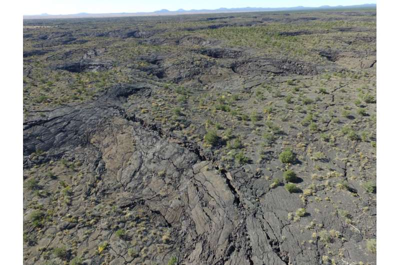 New Mexico badlands help researchers understand past Martian lava flows (video)
