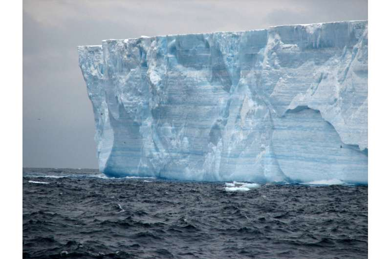 New study redefines understanding of where icebergs put meltwater into the Southern Ocean