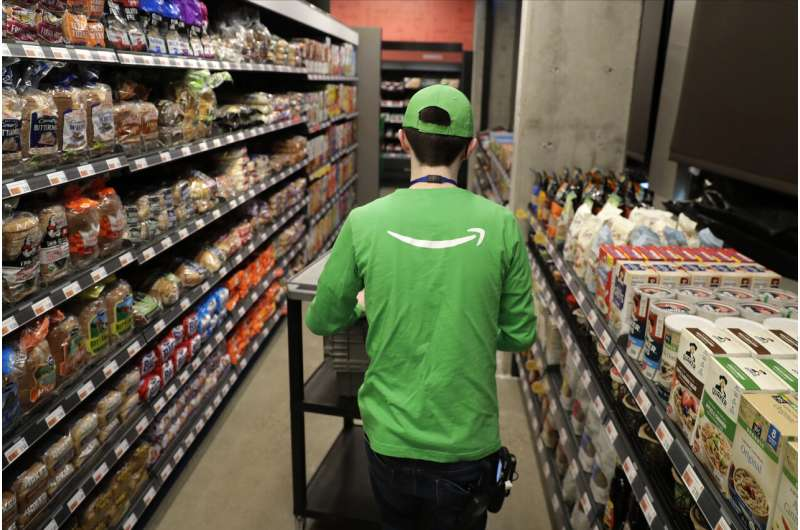 No checkout needed: Amazon opens cashier-less grocery store