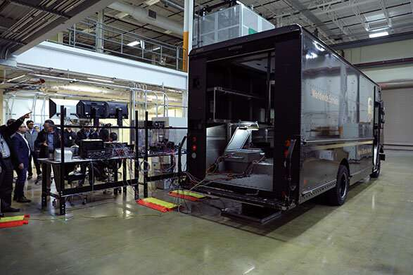 ORNL demonstrates bi-directional wireless charging on hybrid UPS truck