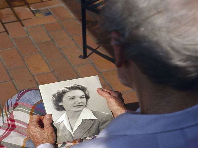 Pandemic adds to challenge of caring for loved one with dementia