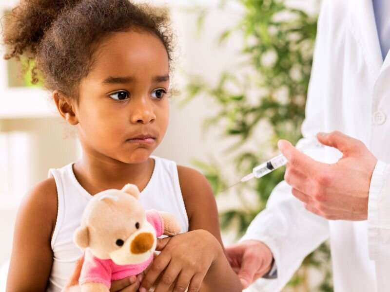 Parents' age key to whether kids get vaccinated against COVID, study finds