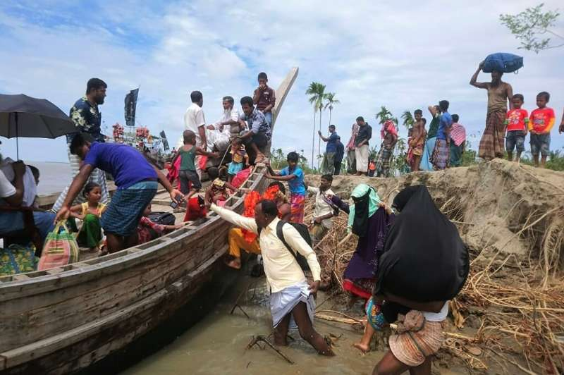 Residents being evacuated as Cyclone Amphan barrels towards Bangladesh's coast