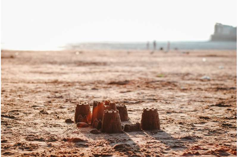 Science of sandcastles is clarified, finally
