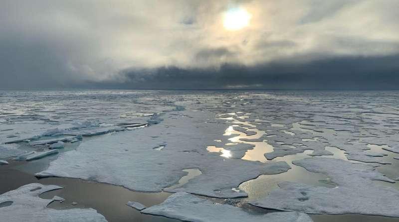 Scientists on Arctic mission make unplanned detour to pole