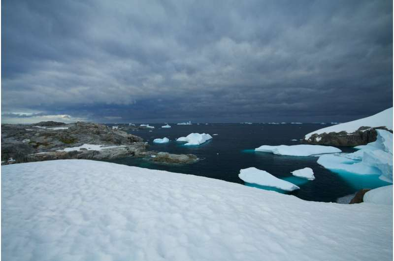 Shift in atmospheric rivers could affect Antarctic sea ice, glaciers