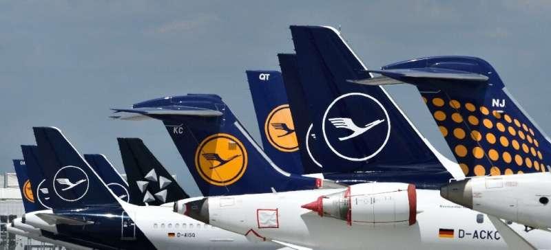 Since the coronavirus pandemic hit Europe, the Lufthansa group has been bleeding one million euros per hour, with around 90 perc