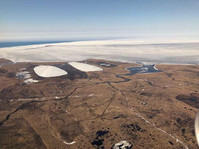 Small Arctic coastal waterbodies, with big carbon release