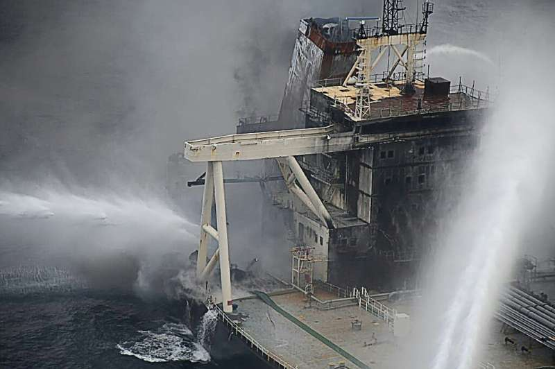 Sri Lanka's air force said the week-long fire had damaged much of the Panamanian-registered New Diamond's super structure
