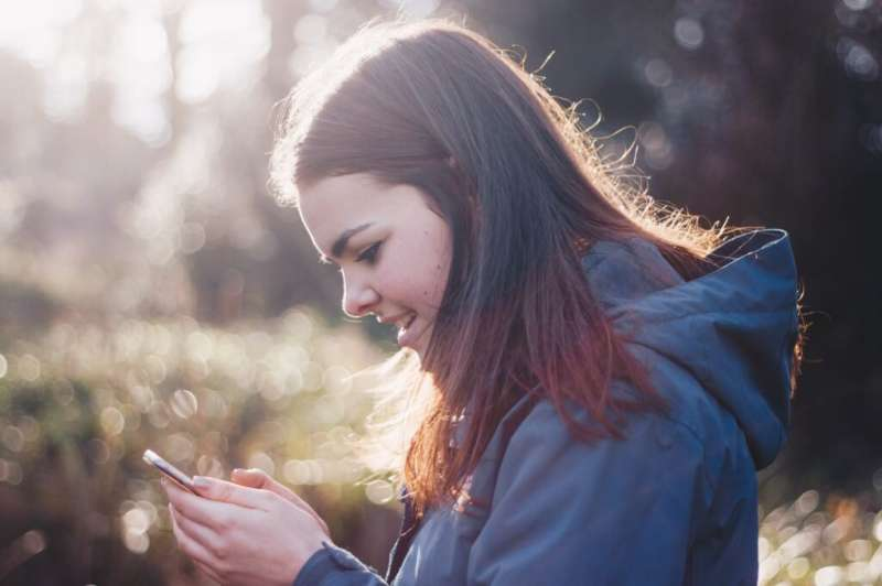 Teens who participate in extracurriculars, get less screen time, have better mental health