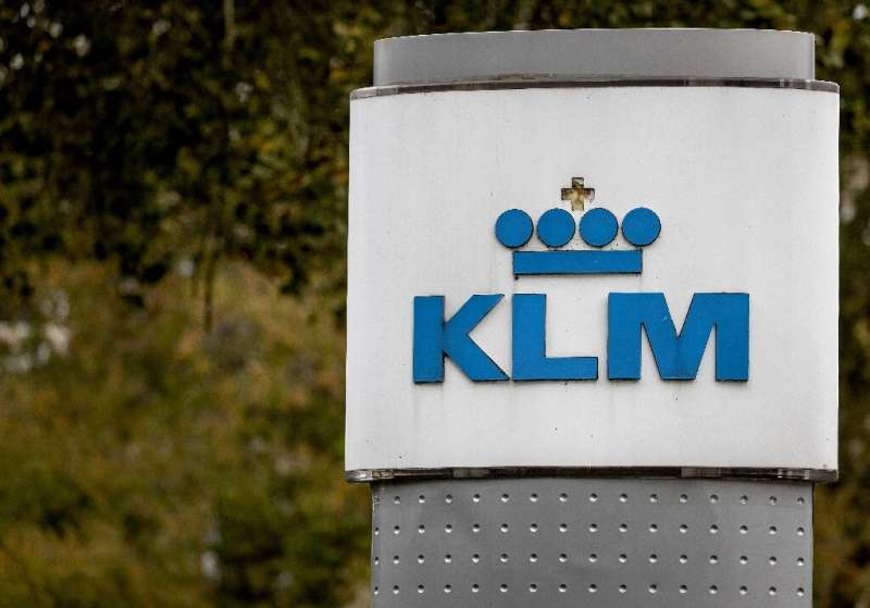 The move puts the future of the Dutch arm of Air France-KLM into jeopardy, which said it would not remain afloat without a massi