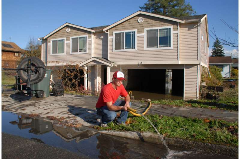 Uncertainties key to balancing flood risk and cost in elevating houses
