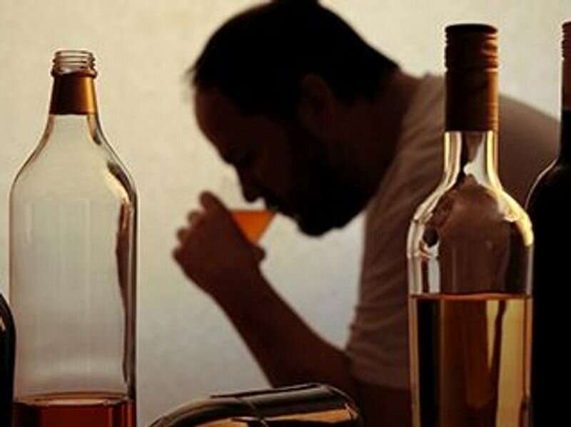 Unhealthy drinking habits seen with some psychiatric disorders