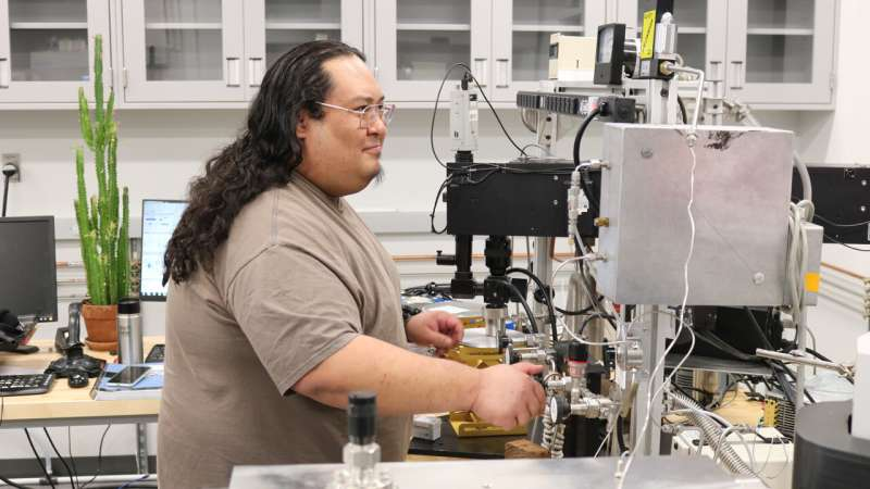UNM scientists find Earth and Moon not identical oxygen twins