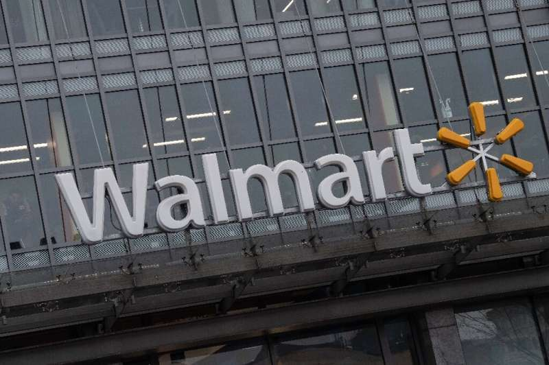 US retail giant Walmart has teamed up with Shopify to expand its online marketplace of third-party sellers