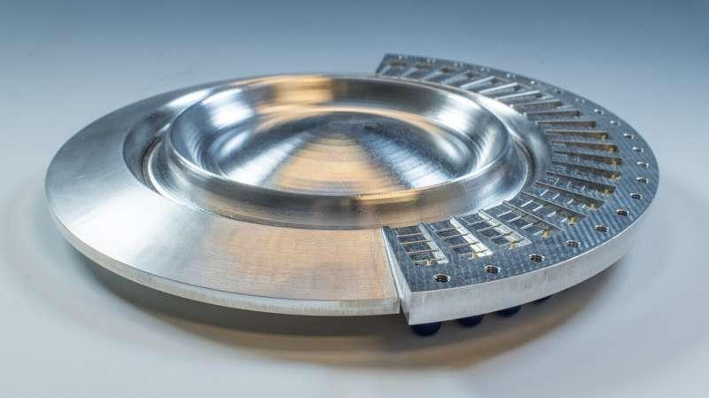 Water drop antenna lens