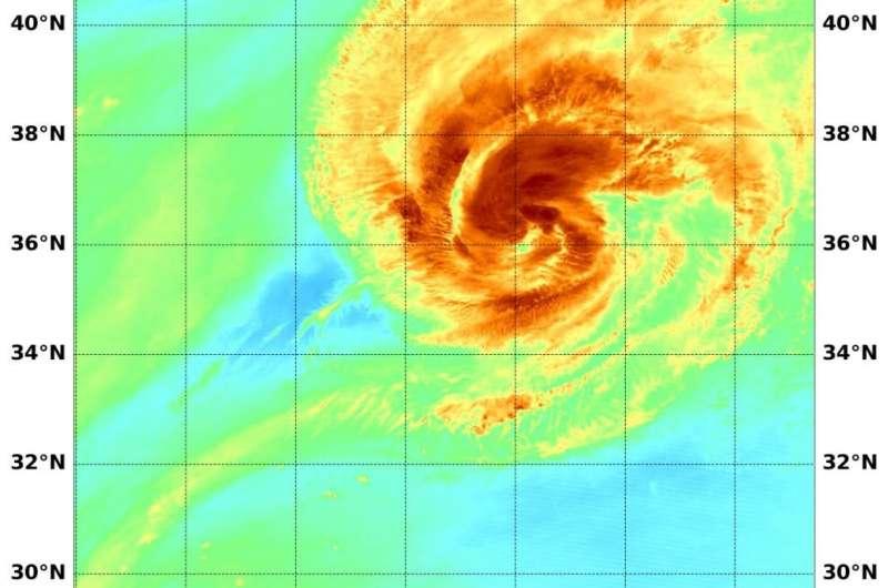 Water vapor imagery reveals hurricane Paulette's strongest side, dry air
