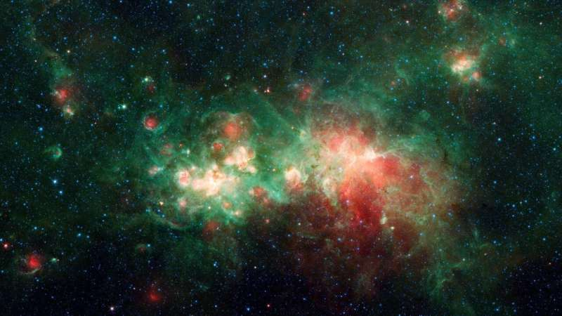Where are stars made? NASA's Spitzer spies a hot spot