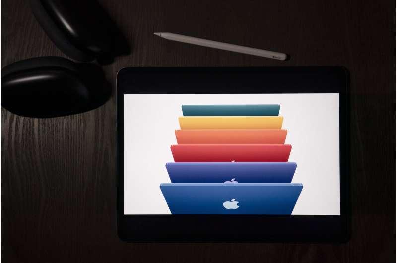 Apple meluncurkan produk baru, menjadwalkan tindakan keras privasi