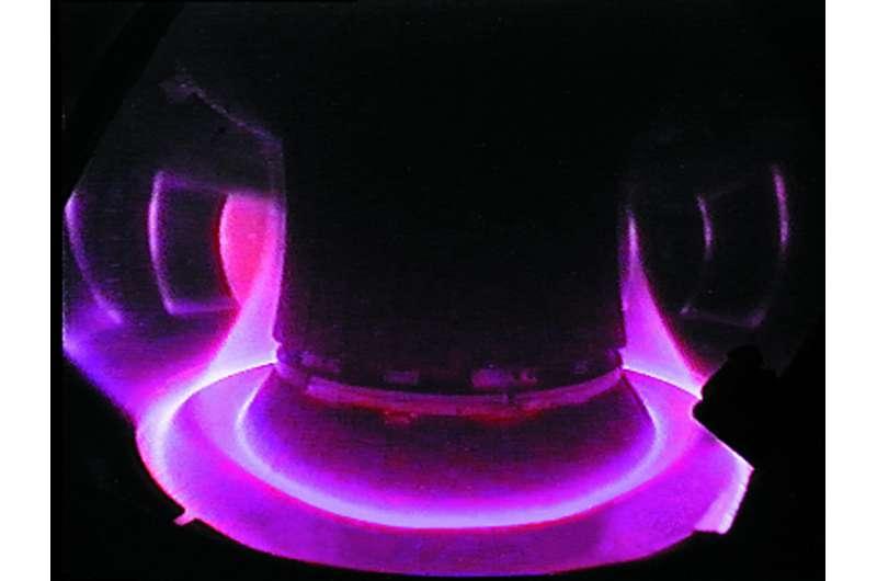 Asdex Upgrade experimental facility generates its first plasma