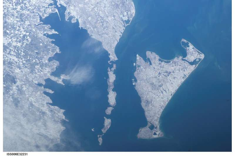 Citizens and scientists release 28-year record of water quality in Buzzards Bay