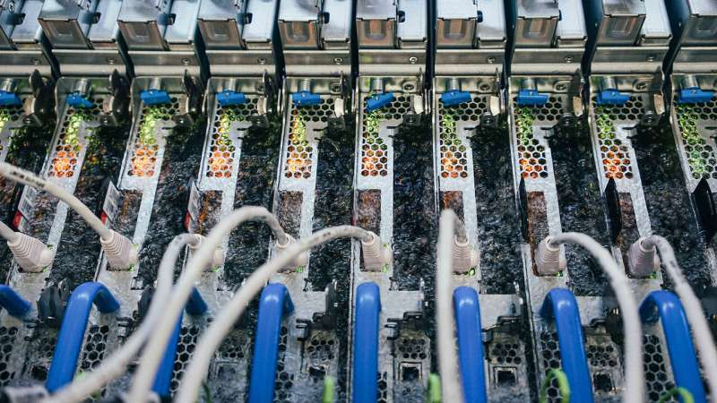 Microsoft adopts boiling liquid to cool datacenter servers