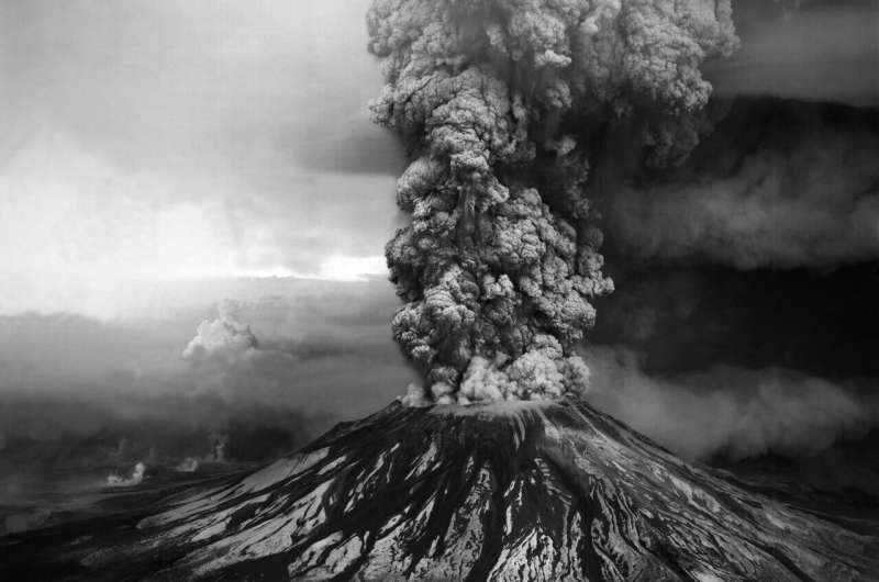 Research finds tiny bubbles tell tales of big volcanic eruptions