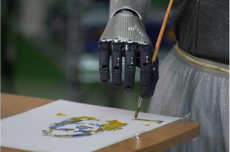 Robot sanatçısı 688.888 dolara sanat satıyor, şimdi de müzik kariyerine bakıyor