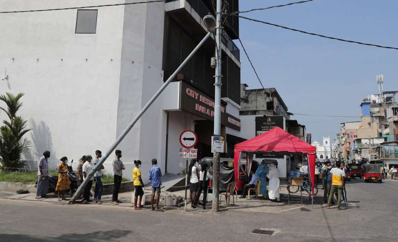 Sri Lanka approves vaccine amid warnings of virus spread