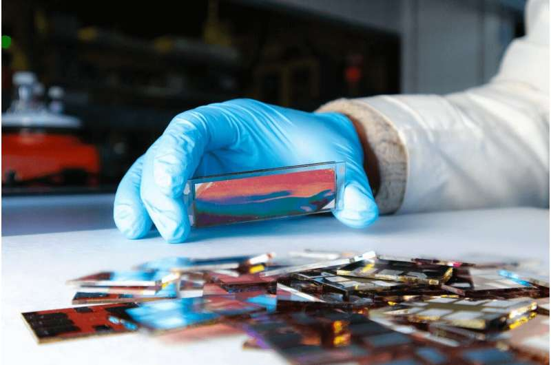 Machine learning to predict the performance of organic solar cells