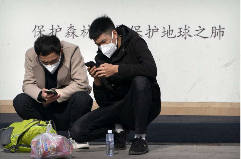 China steps up online controls with new rule for bloggers
