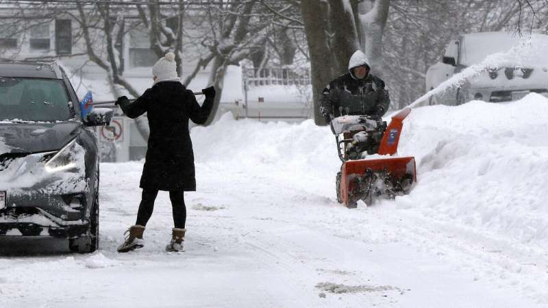 Northeastern US digging out from not-quite-record snowstorm