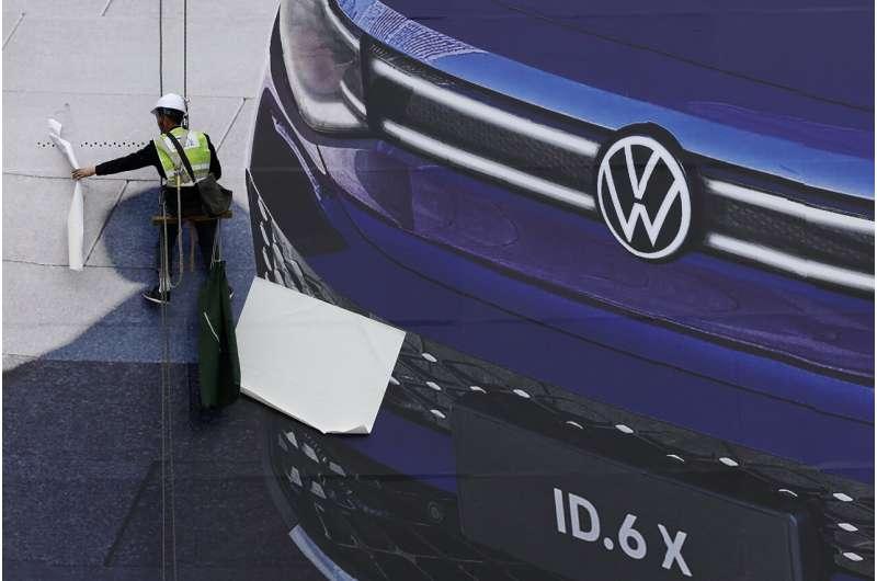 VW, Ford memperkenalkan SUV di pameran otomotif China di bawah kendali virus