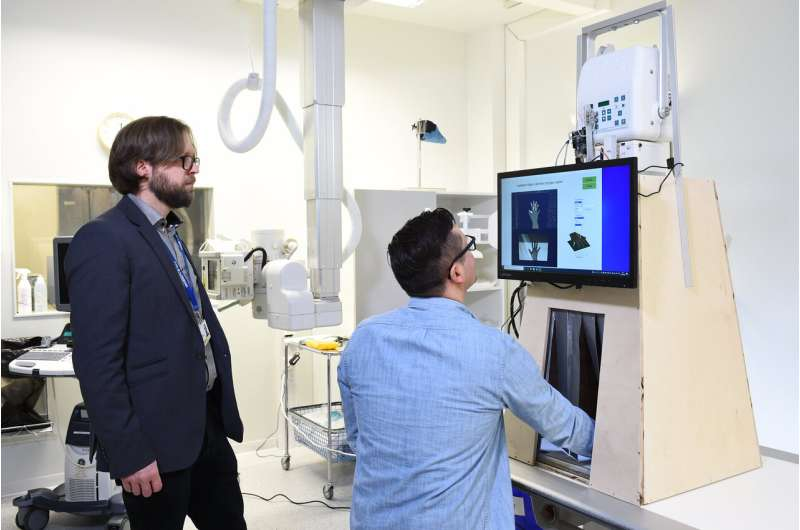 Automated and mobile X-ray device to improve and speed up health services