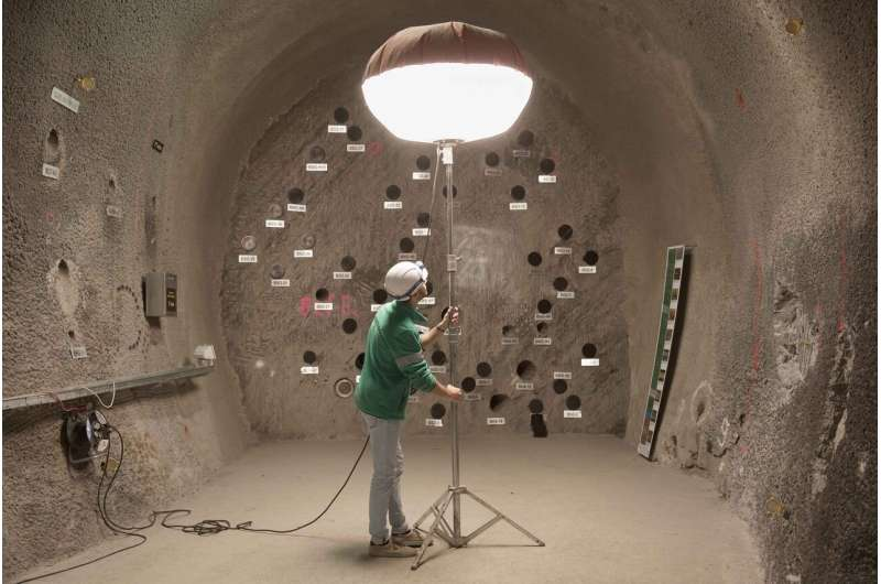 Modeling eternity in the rock laboratory