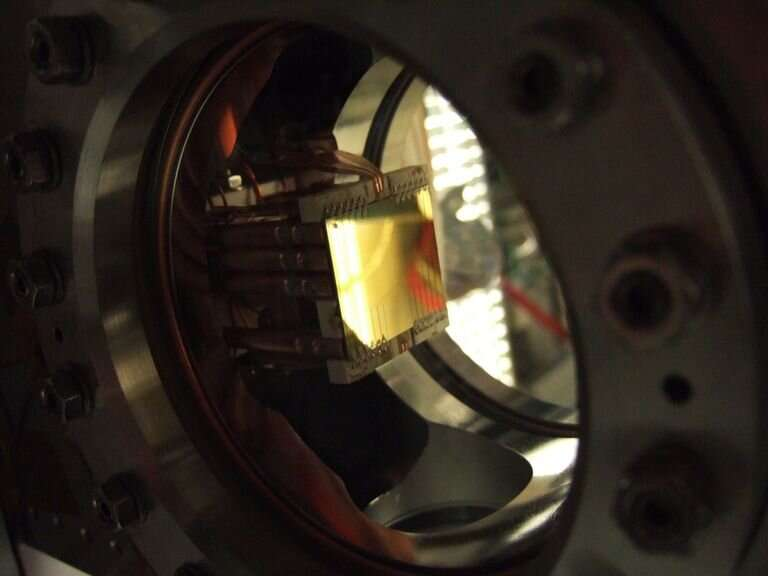 Researchers produce beams of entangled atoms