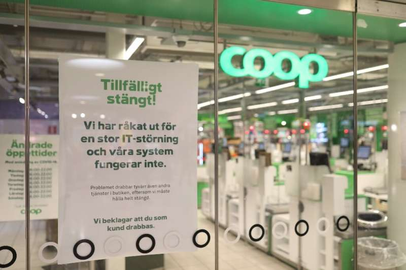 """A Coop supermarket in Sweden has a sign reading """"Temporarliy closed - We have an IT-disturbance and our systems are not fun"""