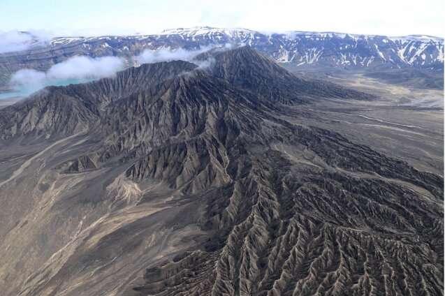A journey into an Alaskan volcano