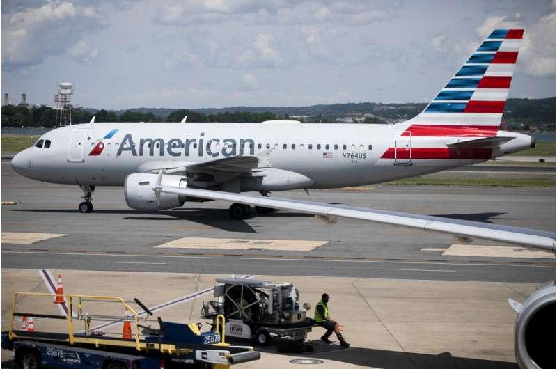 American Airlines cutting flights as summer season starts