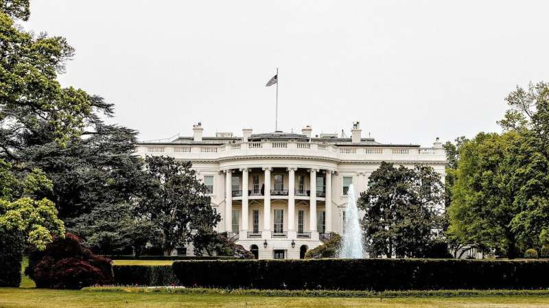 Americans want government to address COVID-19 above all else, survey finds