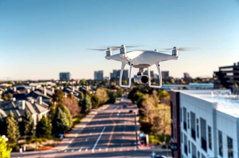 Un système de contrôle de vol automatisé pour les essaims de drones a été développé