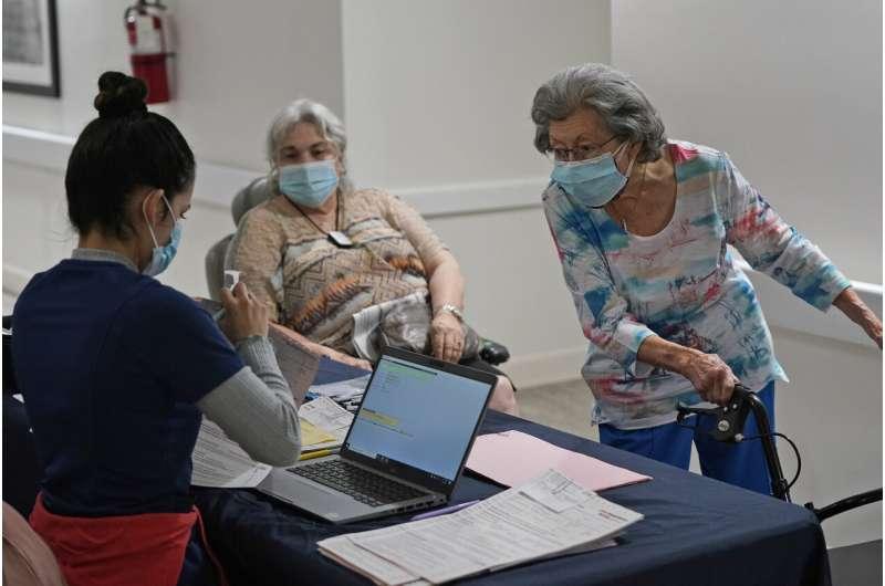 Anxiety grows as long-term care awaits COVID-19 vaccines