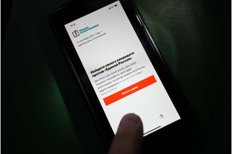 Apple, Google raise new concerns by yanking Russian app