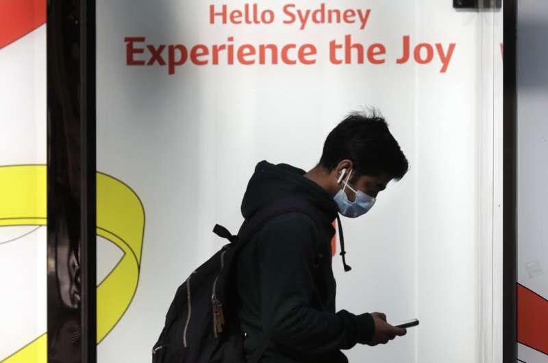 Australia's largest city Sydney locks down for third week